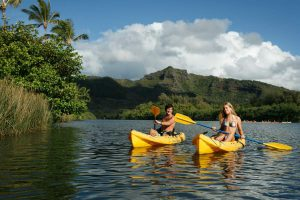 kauai_kayak_couple_wailua_river_aha_900_600_65_s_c1_c_c_0_0